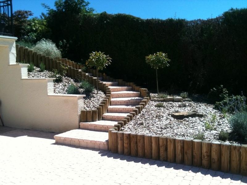 paysagiste sens koncept paysage am nagements bois rondins. Black Bedroom Furniture Sets. Home Design Ideas